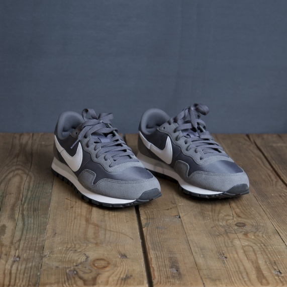 NIKE AIR PEGASUS'83 GREY